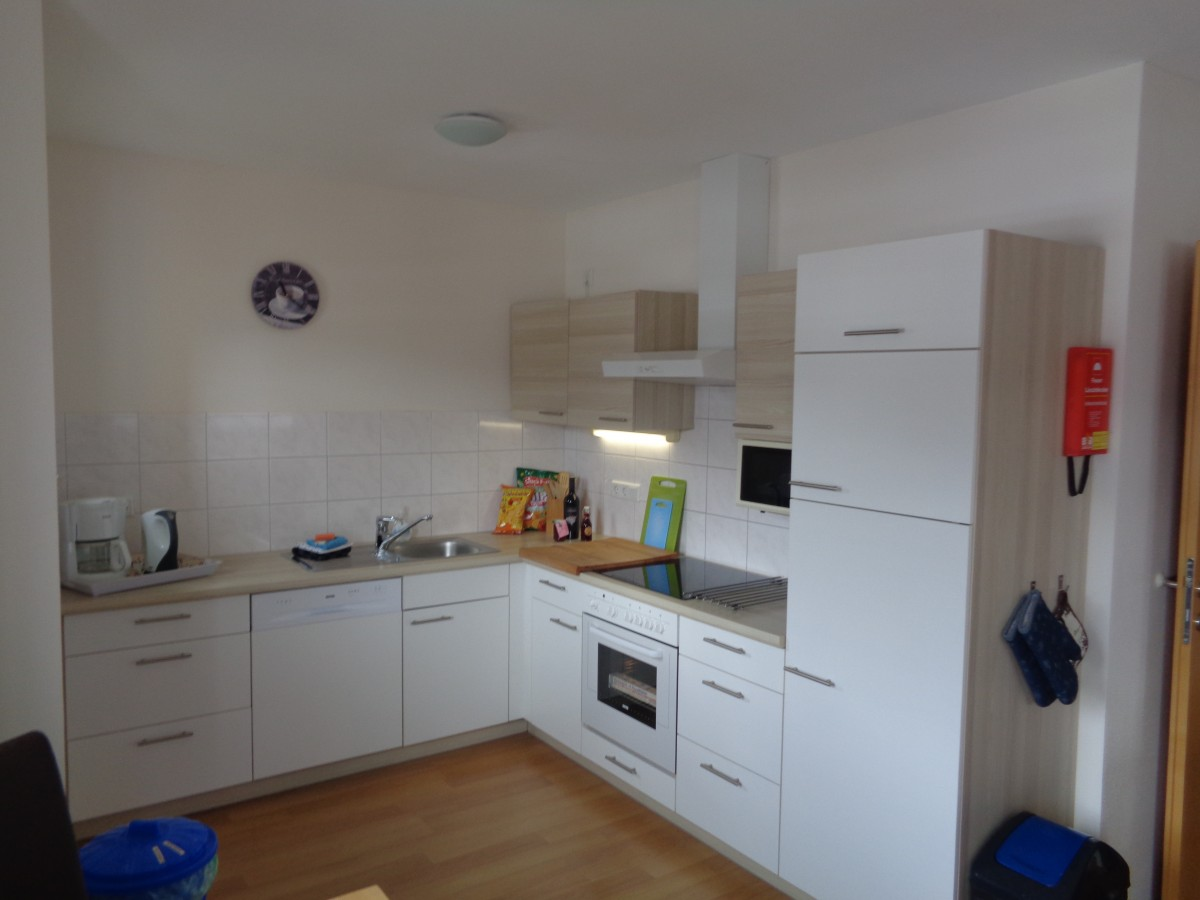 Image of 6-person apartment