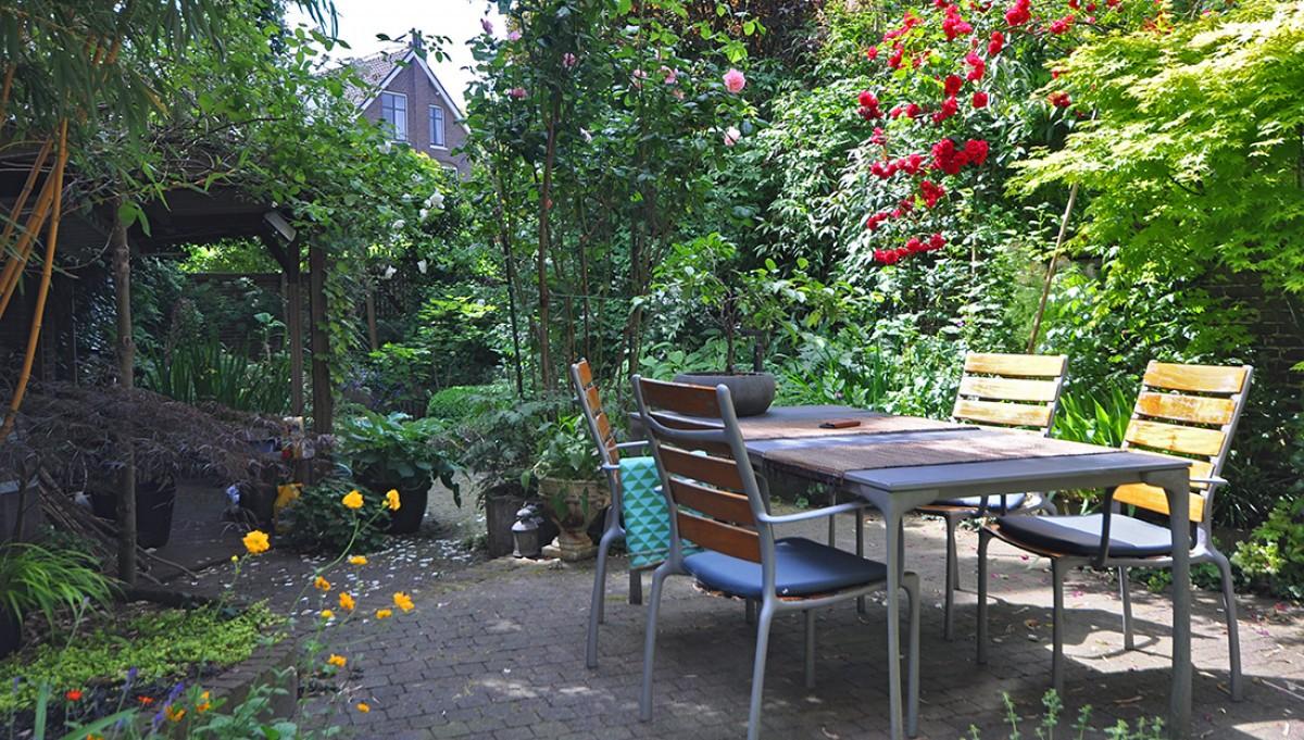 Imagem de Kamer met uitzicht op tuin