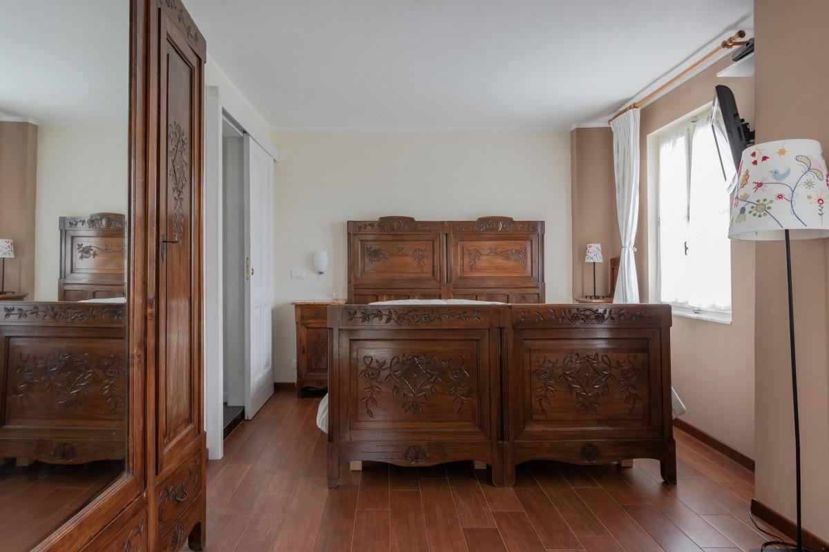 Слика Рустикална соба