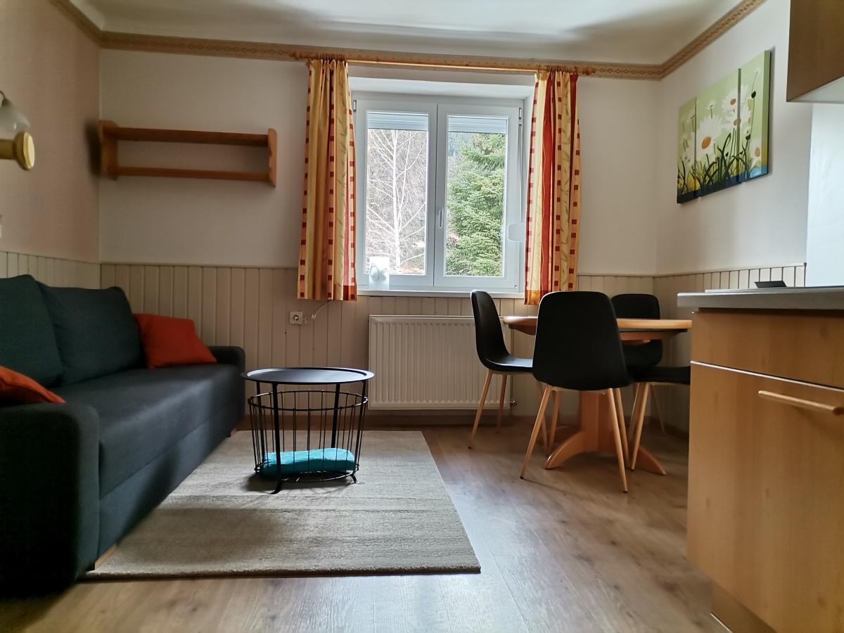 Изображение на 3-стаен апартамент с балкон (домашни любимци са разрешени)