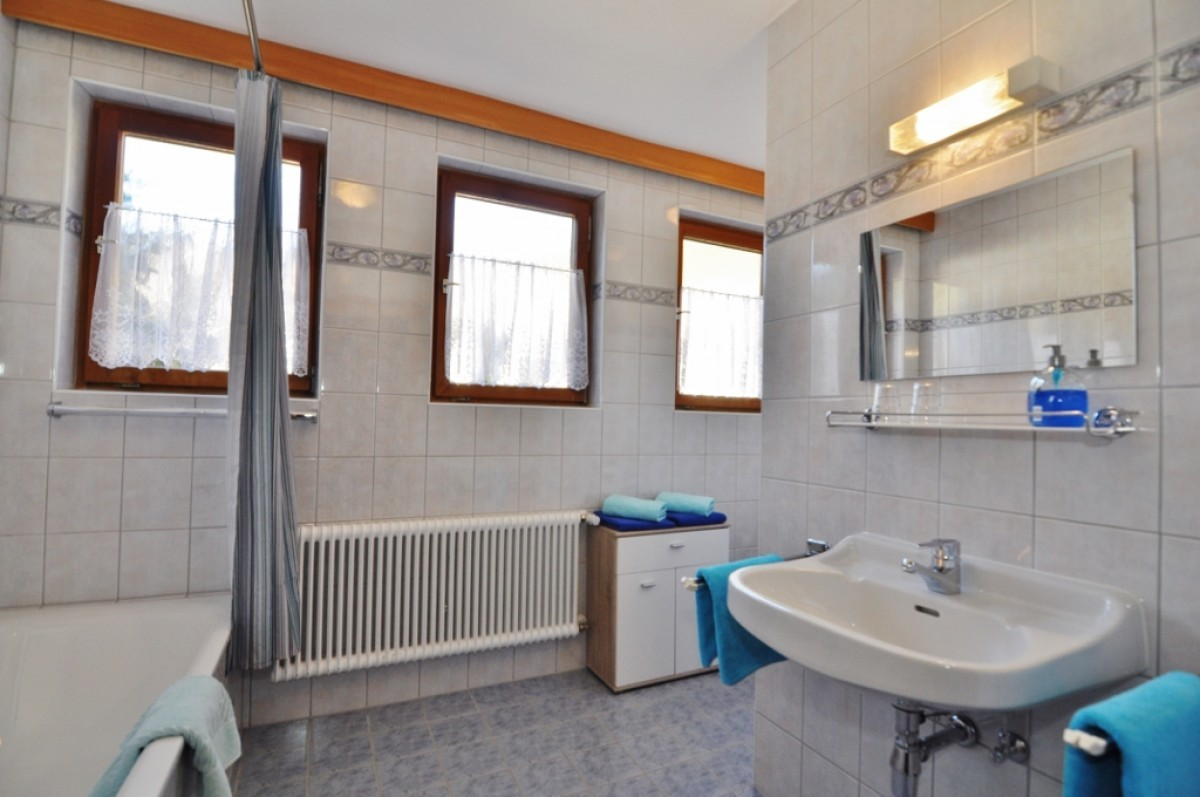 Picture of Apartment with 2 Bedrooms and Balcony