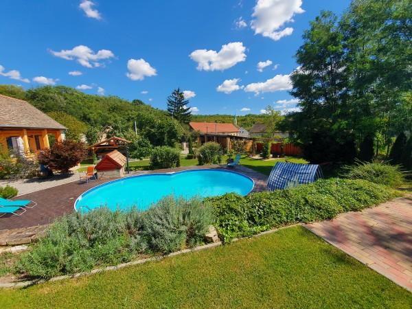Casa Mama - Rekreační dům s bazénem.