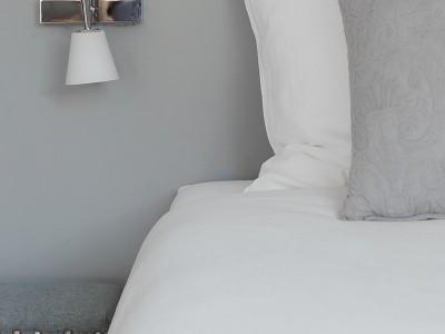 Soba s posteljo plus