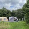 Mini camping met privé sanitair