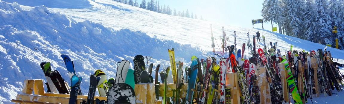 Waar kun je skies en snowboards huren in Winterberg