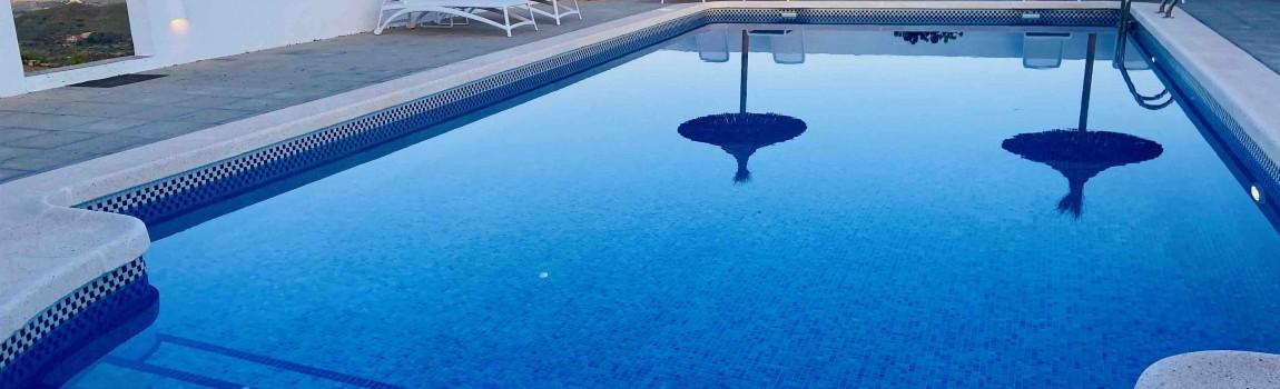 Enkele sfeerbeelden van het zwembad...